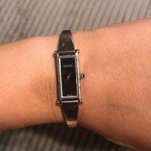 Gucci 1500L watch